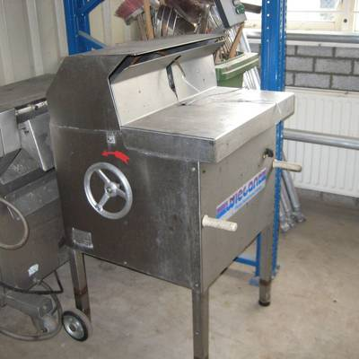 Binding/looping machine