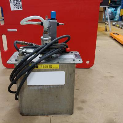Hydraulic unit for leg cutter