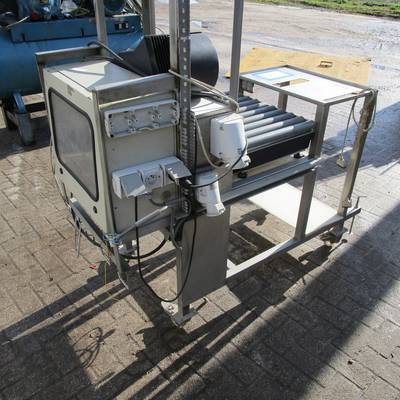Weighing-labelling machine