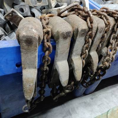 Bleeding shackles for cattle
