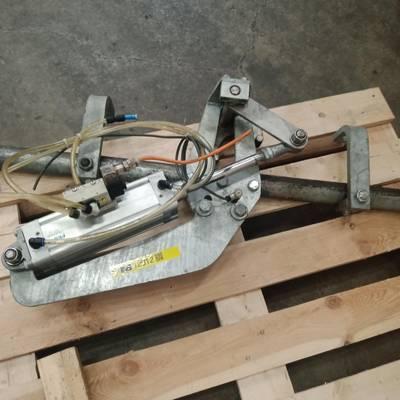 Hook Transit Control / Hook dosing device