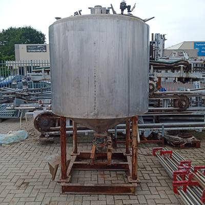 Tank insolated with pump